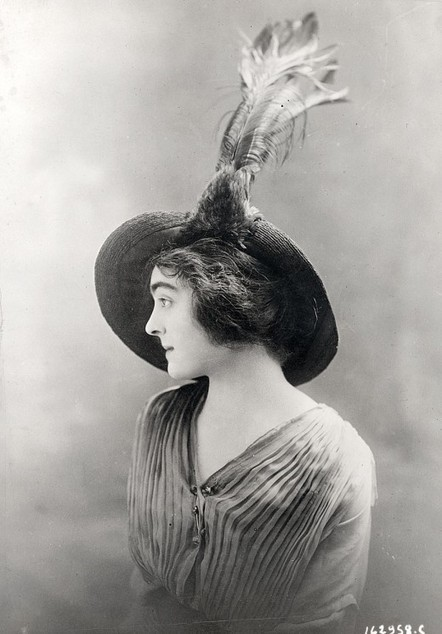 Women's Hats, 1913-1915 | Ca m'interpelle... | Scoop.it
