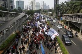 Labor Groups to Hold Mass Protest in Greater Jakarta | Asian Labour Update | Scoop.it