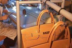 Hermès annonce l'ouverture de deux ateliers de maroquinerie en Franche-Comté   Actualités prêt à porter   Scoop.it