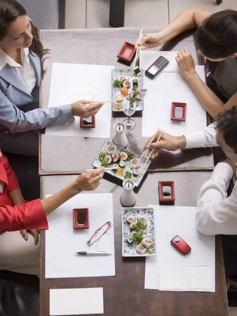 Eat it, don't tweet it: Do table manners still matter? | World Foodies | Scoop.it