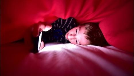 53% des ados passent plus d'une heure sur un écran connecté avant de se coucher - La Voix du Nord | Relaxation Dynamique | Scoop.it