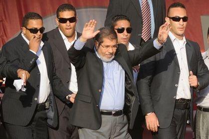 En Égypte, Morsi joue la Constitution contre le «chaos» | Égypt-actus | Scoop.it