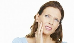 7 Home Remedies for Mouth Ulcers To Heal - HealthyHobbit | Naturally Healthy | Scoop.it