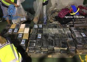 Incautados en Sevilla 900 kilos de cocaína camuflados en cajas de bananas | NARCOS | Scoop.it