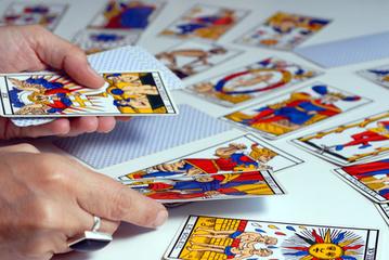 Apprendre la cartomancie et taromancie avec un jeu cartes - Voyance Besançon | Idéal Voyance | Scoop.it