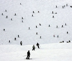 Snowboarding craze fades, skiing becomes cool again - The Seattle Times | ski areas management | Scoop.it