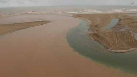 Brazil dam toxic mud reaches Atlantic via Rio Doce estuary - BBC News | OCR AS Geography | Scoop.it
