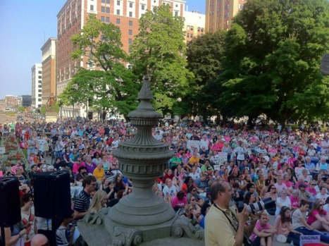 Massive Crowd Gathers For Reading Of Vagina Monologues At Michigan Capitol | Gender, Religion, & Politics | Scoop.it