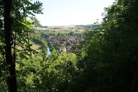 Carte postale de Bourgogne : Noyers sur Serein | Revue de Web par ClC | Scoop.it