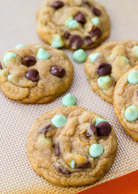 #RECIPE - Soft-Baked Mint Chocolate Chip Cookies | Just Chocolate!!! | Scoop.it