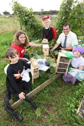Cornwall Wildlife Trust | News | School children create homes for wildlife in their playgrounds | Education | Scoop.it
