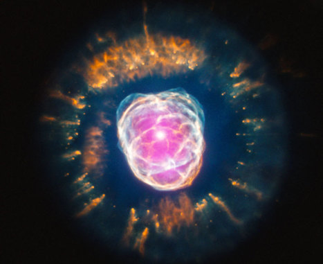 NASA's Astronomy Picture Of The Day - The Eskimo Nebula From Hubble And Chandra - Socks On An Octopus | Creatively Awesome | Scoop.it