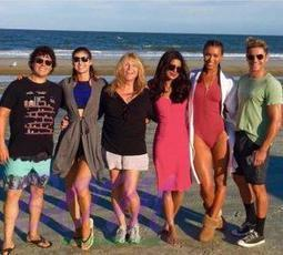 BAYWATCH first trailer is a Johnson Efron affair only | Bollywood Actors and Actresses Latest News and Movies Updates | Scoop.it