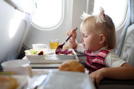 Des snacks vendus à prix d'or par les compagnies aériennes low cost   AFFRETEMENT AERIEN KEVELAIR   Scoop.it