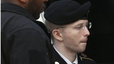 Manning given 35 years for leaks | AP United States Government Current Events | Scoop.it
