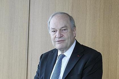 TNT : Michel Boyon encourage des «projets innovants» pour contrer la TV connectée | L'actualité de la filière Musique | Scoop.it