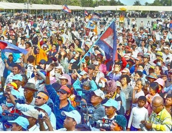 Cambodian garment workers join Opposition protests | real utopias | Scoop.it