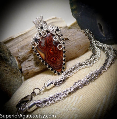 Laguna Lace Agate Silver Wire Wrapped Gemstone Necklace | Wire Wrapped Stone | Scoop.it