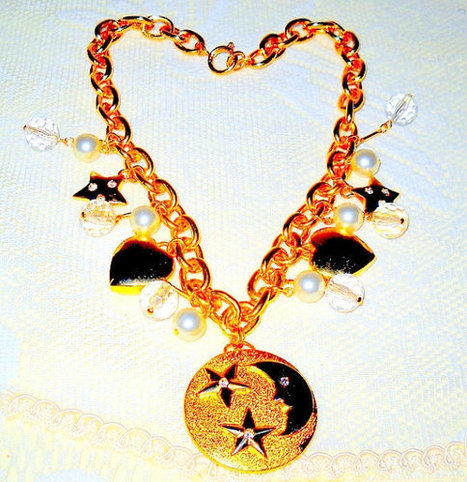 Moon Stars Hearts Three Piece Jewelry Set | serendipity treasures | Scoop.it