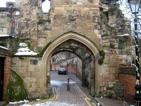 [IL Y A 2 ANS] Avec la technologie iBeacon, le château de Leicester veut raconter son histoire en version numérique | Clic France | Scoop.it