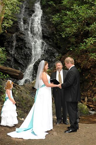 Gatlinburg Weddings Under the Great Smoky Mountains Waterfall   Bookmarking   Scoop.it