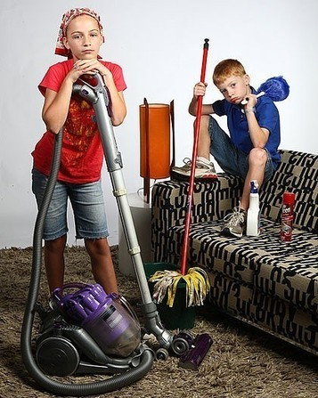 HOW AND WHEN TO PREPARE YOUR CHILDREN FOR CHORES - News - Bubblews   Parenting Tips   Scoop.it