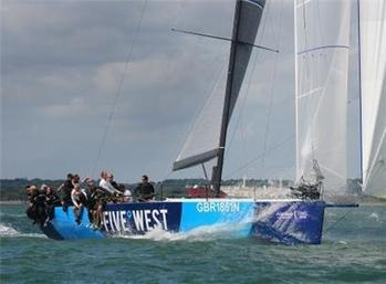 Sir Keith Mills wins again at Cowes Week - Isle of Wight County Press | Kite it! | Scoop.it