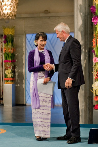 Aung San Suu Kyi - Photo Gallery | Aung San Suu Kyi: an international icon of resistance and hope | Scoop.it