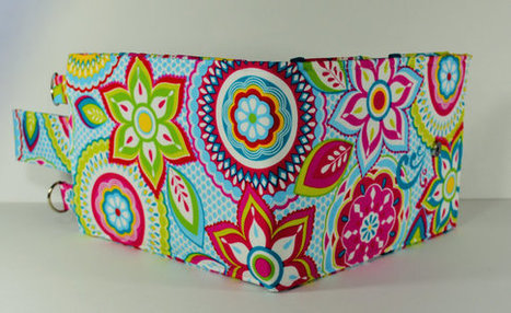 Women's Wallet Organizer with Card Slots - 2 in 1 - Teal Blue with Bright and Colorful Flowers | Tramp Lee Designs Bags | Scoop.it