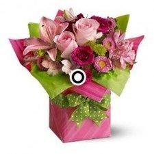 Pretty Pink Present by Katherine Massa | Flower Delivery Orlando | Scoop.it