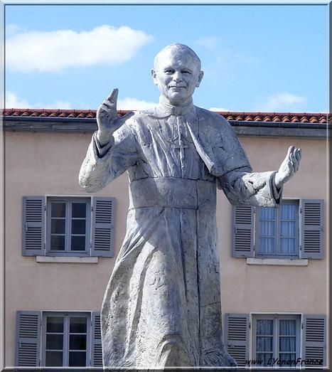 La statue de Jean Paul 2 à Fourvière   Photos de LYonenFrance   LYFtv - Lyon   Scoop.it