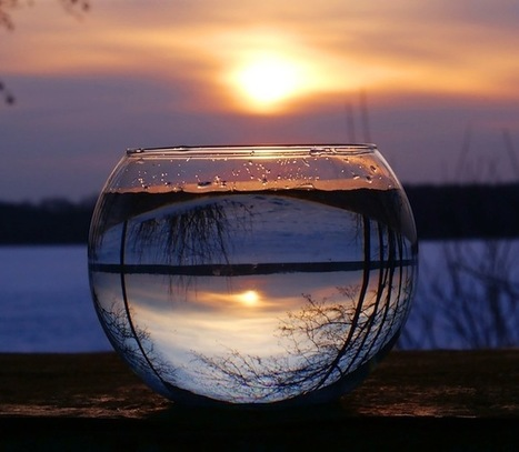 14 Beautiful Landscape Reflections Inverted through Wine Glasses   The Blog's Revue by OlivierSC   Scoop.it