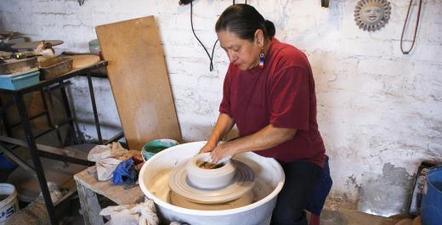 Pottery Collective Empowers Women Economically and Challenges Gender Norms in Rural Mexico | Global Press Institute | News in North America | Scoop.it