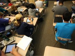 iPads for every high school student in Michigan district | 1:1 iPad Program | Scoop.it