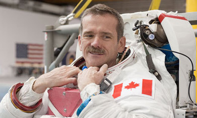 Chris Hadfield: astronaut, troubadour, tweeter – and a true Space Oddity | Slash's Science & Technology Scoop | Scoop.it