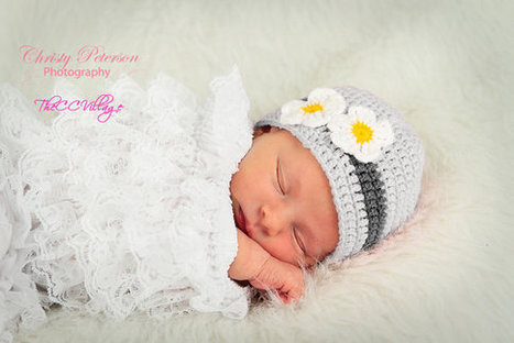 Grey Crochet Baby Hat, Newborn Prop, crochet beanie with handmade white flower | crochet for babies | Scoop.it