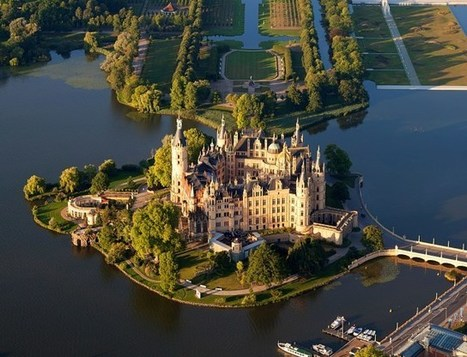 10 Most Beautiful Castles in Germany – Touropia Travel Experts | Angelika's German Magazine | Scoop.it