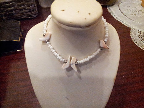 Vintage Dainty White Shell Bracelet Seed Bead Beautiful Carved Birds Silver Beads | Beautiful Vintage Find!! | Scoop.it