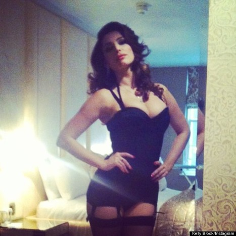 Kelly Brook Channels Sophia Loren In Sexy Instagram Picture - Sexy Balla   Daily News About Sexy Balla   Scoop.it