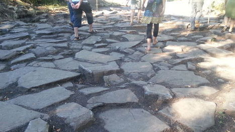 Gergovie : les fouilles révèlent une place dallée de 3000 m²   LVDVS CHIRONIS 3.0   Scoop.it