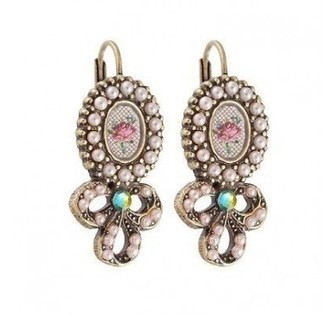 Michal Negrin Cameo Bow Earrings | Michal Negrin | Scoop.it