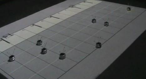 Un essaim de robot qui jouent une partition de piano | Semageek | Bots and Drones | Scoop.it