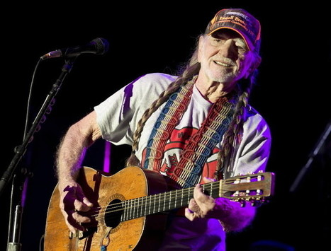 Willie Nelson to sing at Silver Springs on date of canceled SeaWorld concert - Orlando Sentinel (blog) | DEATH AT SEA WORLD | Scoop.it