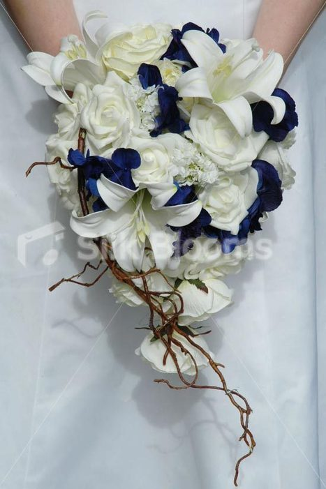 Gorgeous Navy & Ivory Bridal Bouquet w/ Peonies, Lilies & Roses Gorgeous Navy & Ivory Bridal Bouquet w/ Peonies, Lilies & Roses [Madison - Bride] - £77.99 : Silk Blooms UK | Wedding mood board | Scoop.it