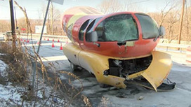 Oscar Mayer Wienermobile Slides Off Road, Crashes in Pennsylvania | Car Accident Injury News | Scoop.it