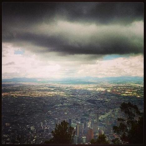 Foto por mlc1979 en #Instagram: Bogotá desde el Cerro de Monserrate -Twitter / enmicolombia: | Ciudad | Scoop.it