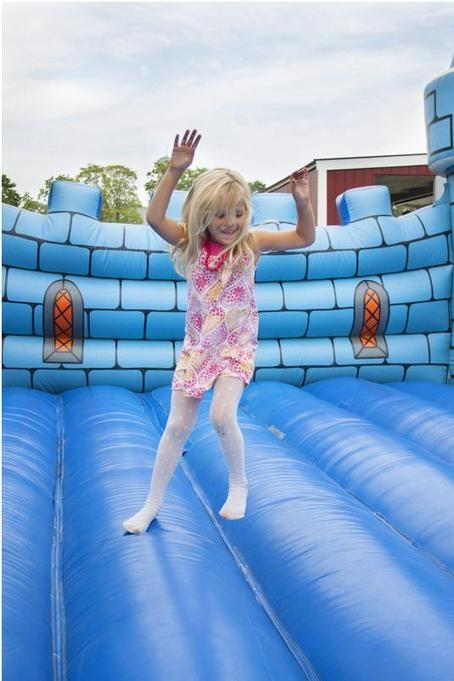 Fun By the Bounce: Bouncy Castle Options for Parties | Fiesta 4 Kids | Scoop.it