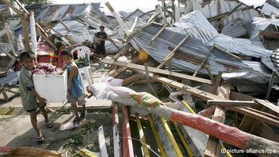 Philippines: A country prone to natural disasters   Asia   DW.DE   10.11.2013   AS Geography   Scoop.it