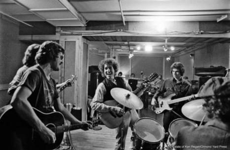 Rare photos of Bob Dylan's epic Rolling Thunder tour | THE VIETNAM WAR ERA  DIGITAL STUDY: MIKE BUSARELLO | Scoop.it