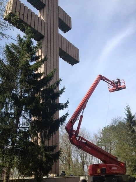 Ravalement de façade pour la Croix de Lorraine - MAGNUM LA RADIO ! | La restauration de la Croix de Lorraine | Scoop.it